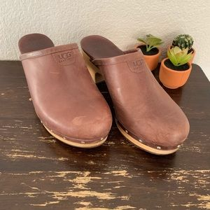 """UGG 
